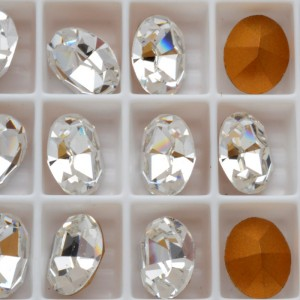 1 SWAROVSKI Vintage 4100 Oval 10 x 8 mm Crystal