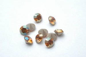 1028 Chaton 6 mm Crystal Copper (001 COP) 6 Stück